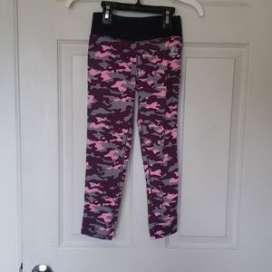 Girl's S/ Pink and purple Camo Leggings